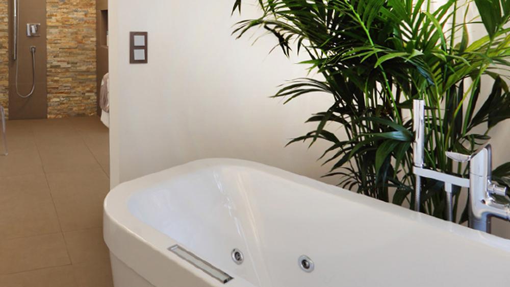 august kleine s hne teilrenovierung badezimmer. Black Bedroom Furniture Sets. Home Design Ideas